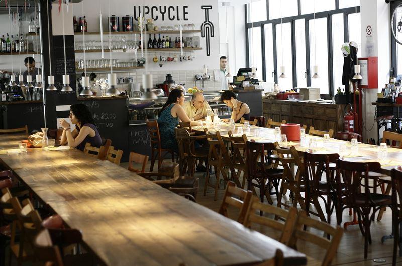 Aperitivo zona Lambrate Milano - Upcycles Milano